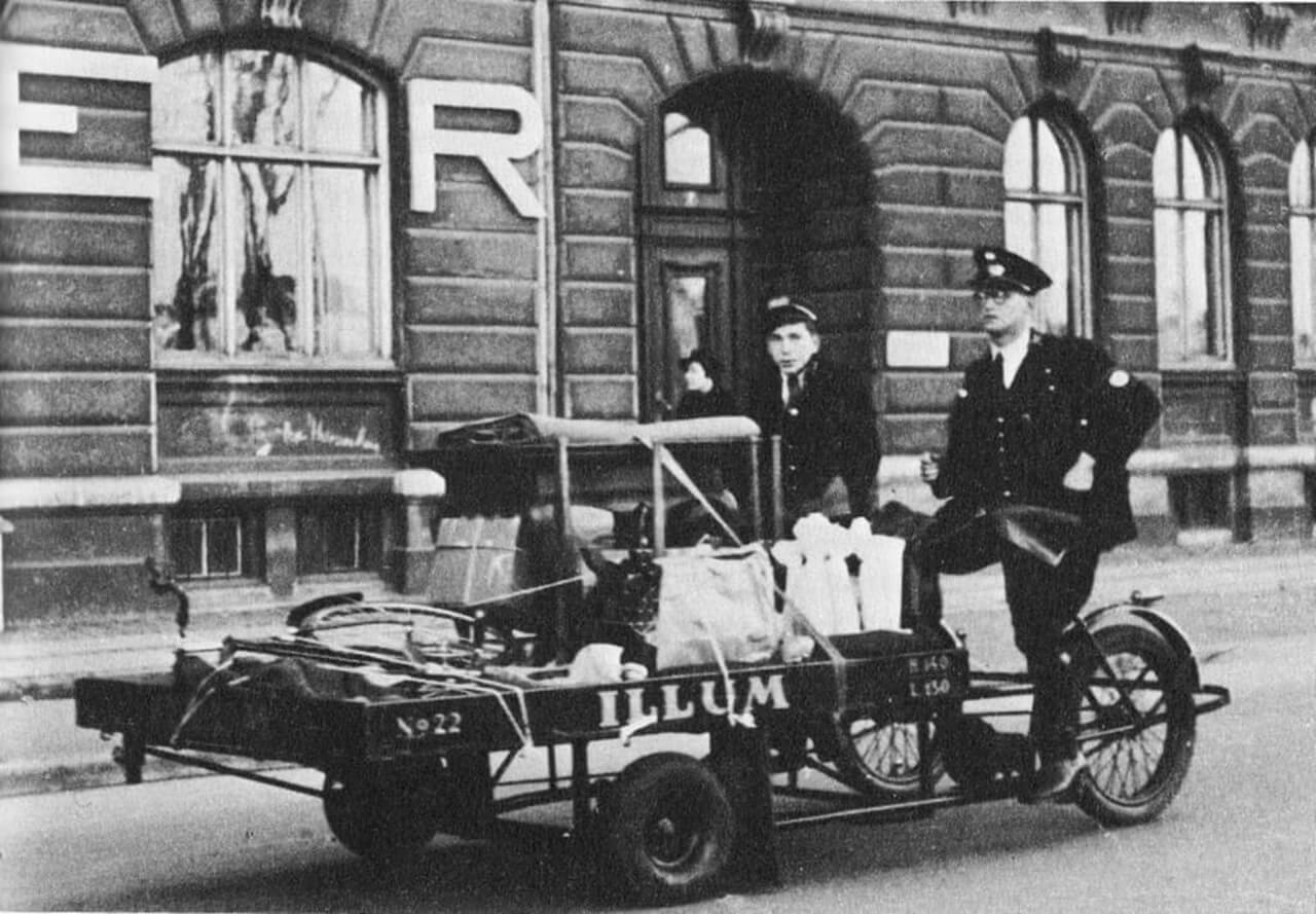 Postai cargo bringa az 1900-as évek elejéről